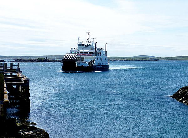Calmac feryy Loch Portain