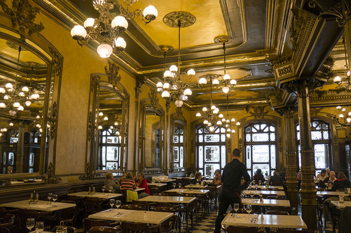 Cafe Iruña, Pamplona, Camino de Santiago