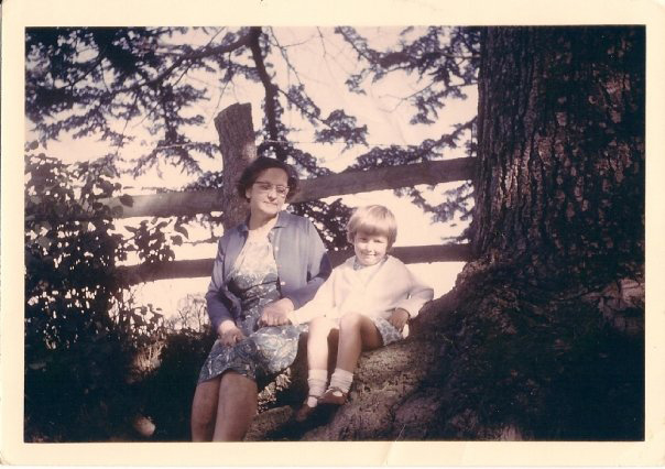 Nan and my cousin Tracey sitting under The Sitting Tree (mid 1960s at a guess)